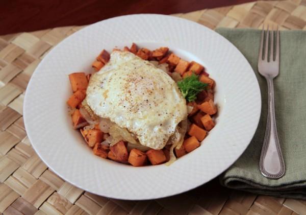Potatoes, Onion, Fennel and egg pileup
