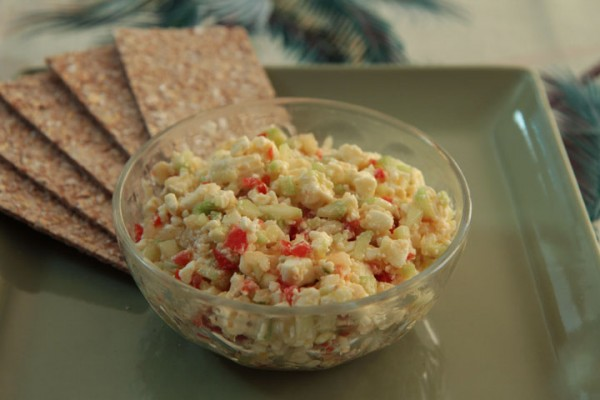 Feta, cucumber, tomatoes Dip with Crackers