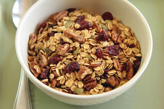 A cranberry pecan granola with pumpkin seeds and maple syrup @mjskitchen | mjskitchen.com