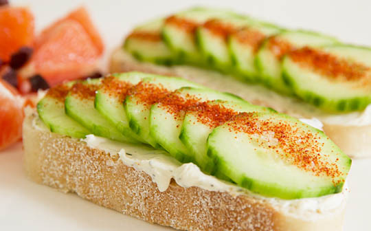 A simple cucumber crostini with garlic cream cheese and a touch of chile. #crostini @mjskitchen mjskitchen.com