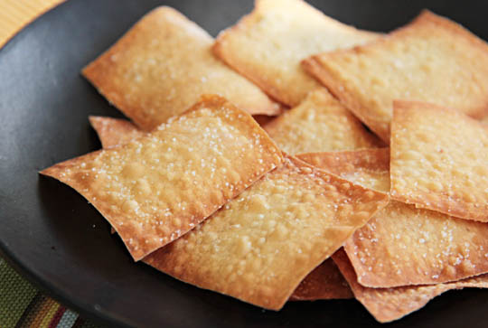Baked Wonton Crackers mjskitchen.com