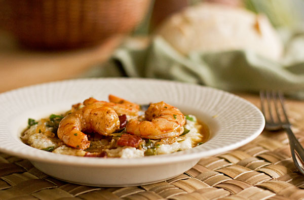 Shrimp and Grits with a flavorful seafood sauce | mjskitchen.com