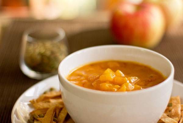 A mildly spicy soup with butternut squash, apples and red chile powder