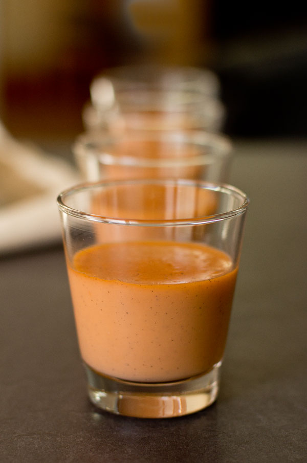 A creamy pudding made with Thai tea, milk and a little condensed milk.