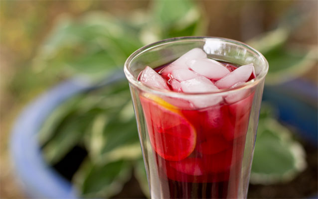 A refreshing summer tea made with dried hibiscus flowers and water. mjskitchen.com @MJsKitchen