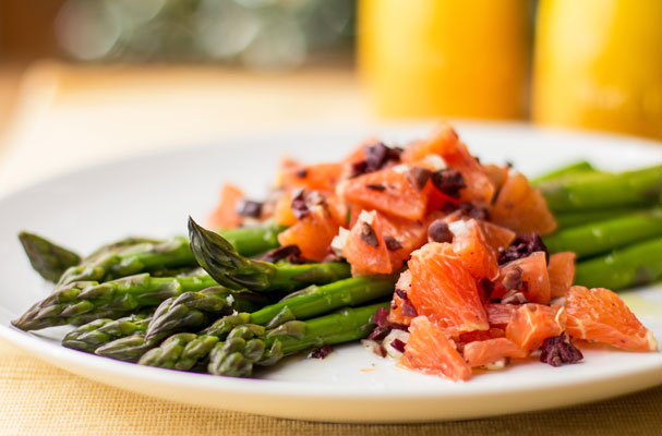 A simple side dish of asparagus with orange and kalamata relish | mjskitchen.com