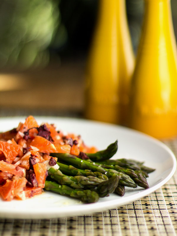 A simple side dish of asparagus with orange and kalamata relish #asapargus #kalamata @mjskitchen | mjskitchen.com
