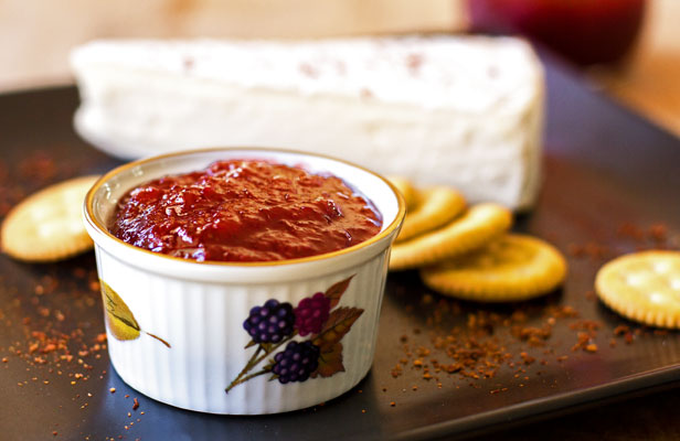 A quick and easy strawberry jam with red chile flakes and no pectin | mjskitchen.com