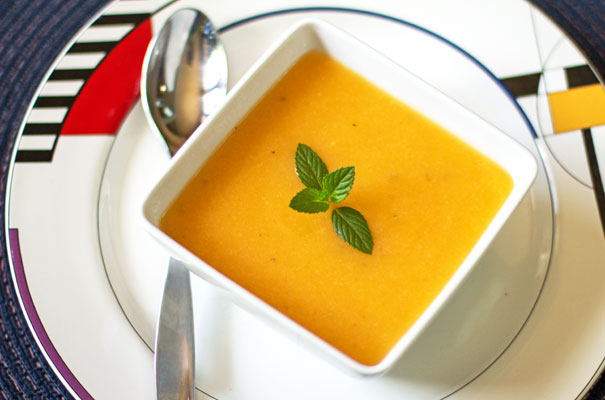 A chilled summer soup with cantaloupe and cucumber, mint and white pepper | mjskitchen.com #cantaloupe #cold #soup