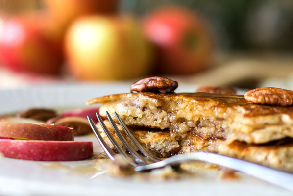 Fluffy apple buttermilk pancakes with apples, pecans and a touch of cardamom | mjskitchen.com