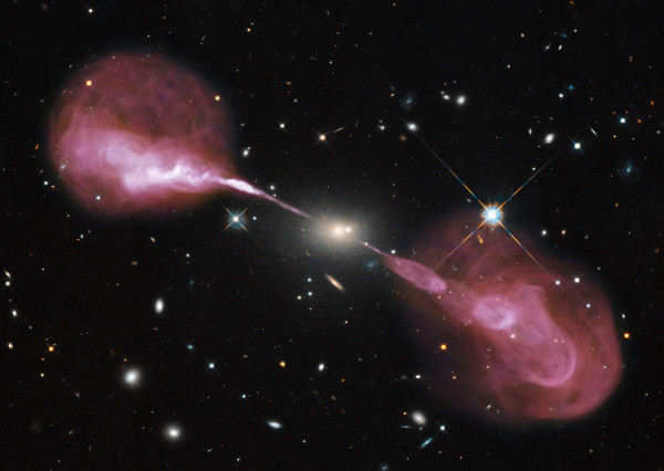 Image of the supermassive black hole in the center of the Hercules A galaxy
