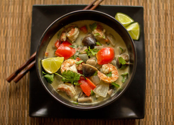 A quick and easy Thai Green Curry Shrimp dish | @MJsKitchen
