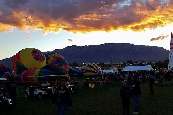 Sunrise at the Albuquerque International Balloon Fiesta 2016 | mjskitchen.com