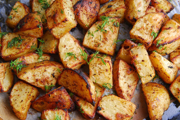 Quick Grilled Potatoes - One of 5 ideas for grilling during the holidays | mjskitchen.com
