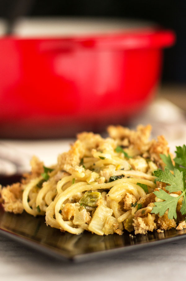 Spicy chicken tetrazzini made with smoked chicken and roasted green chile #pasta #hatchchile #casserole @mjskitchen