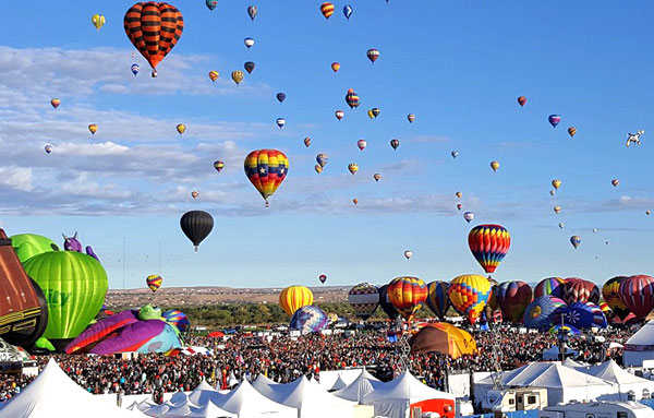 Balloons inflating and lifting off at the Albuquerque International Balloon Fiesta | mjskitchen.com