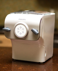 Make your own pasta/noodles in 15 minutes with Philips Pasta Maker | mjskitchen.com