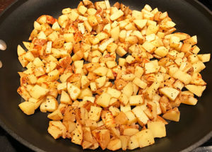 An easy method for making tasty potato country fries on the stovetop | mjskitchen.com