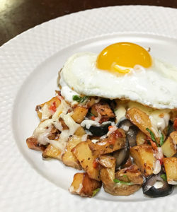 Country Fries with Roasted Green Chile, cheese and an egg #greenchile #hatch @mjskitchen